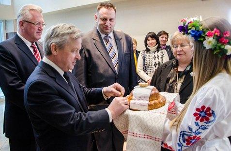 Падчас цырымоніі адкрыцця пятага па ліку інтэрната кватэрнага тыпу ў студэнцкай вёсцы ў Мінску.
