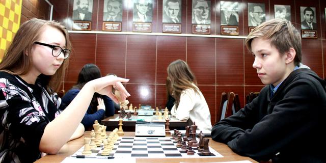 Картинки по запросу фото Вера Пракапук шахматы